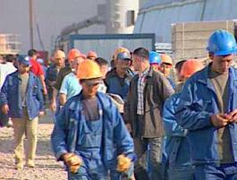 Миронов предлагает приостановить трудовую миграцию в Россию