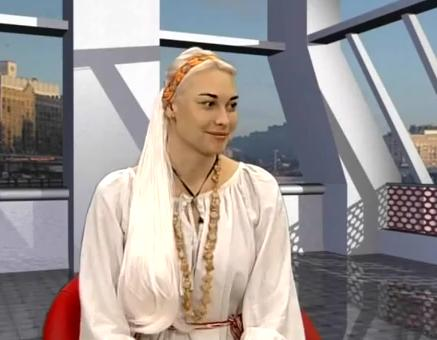 В центре внимания: Славянская певица сказительница Млада