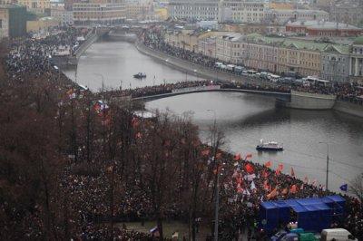 Митинг на Болотной площади собрал более 100 тысяч человек