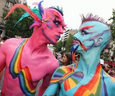 День святого Валентина: Пропаганда гомосексуализма, разврата и избиение беременных женщин