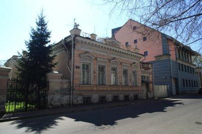 Они сплош и рядом повсюду.Знаки масонов и иллюминатов в Кремле и на улицах Москвы