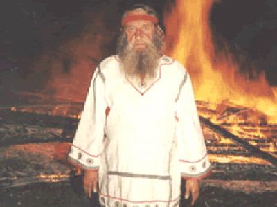 Как хоронили волхва Доброслава: Для полиции похороны местного ваххабита
