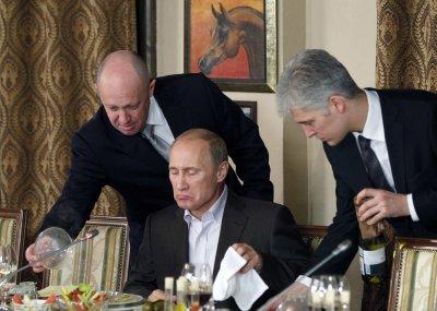 Удалось построить коммунизм в отдельно взятом кремле!