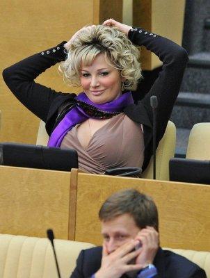 Мария Максакова из «Единой России» хочет разрешить пропаганду педерастии среди детей