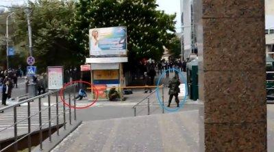 Битва за Новороссию: В Мариуполе клика разгоняют протестующих стрельбой из бронетехники / Обновление 2