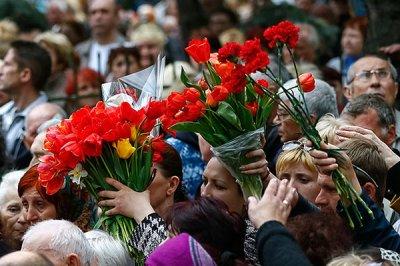 Минута скорби по погибшим в Новороссии ополченцам и мирным жителям