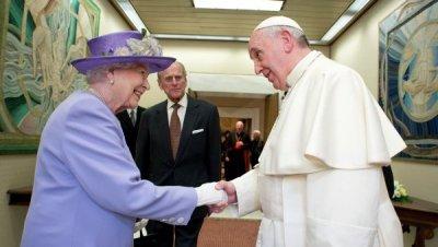 Вне общего поля зрения: слив британской монархии и активизация Ватикана