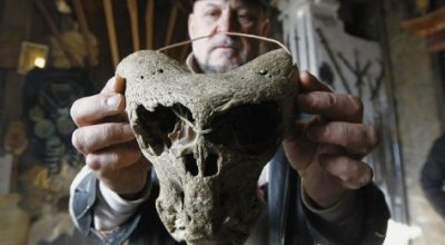 В Адыгее обнаружили черепа неизвестного науке существа и сундук оккультного общества при СС
