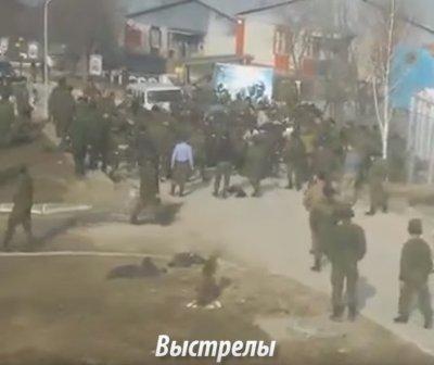Толпа чеченских военнослужащих напала на русских солдат в воинской части близ селения Борзой