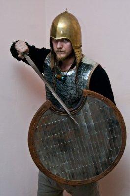 Воссоздан комплект защиты и вооружение скифского воина