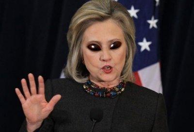 Хиллари Клинтон скоро познакомит землян с инопланетянами?