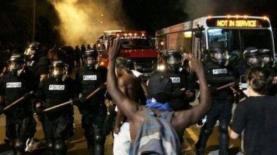 В США негры устроили массовые беспорядки