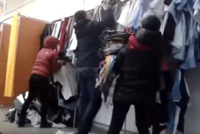 Бои за поношенное тряпьё: украинцы штурмом берут магазины секонд-хенда
