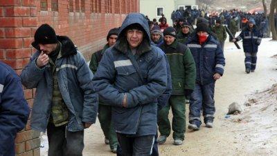 Мигранты из Средней Азии причина низких зарплат и плохой еды в РФ