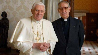 Папы разные важны, или рождественский переполох в Ватикане