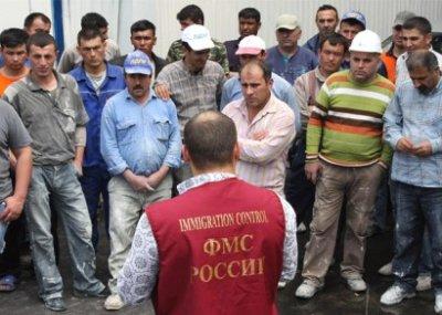 Большинство граждан России против упрощения получения гражданства для мигрантов