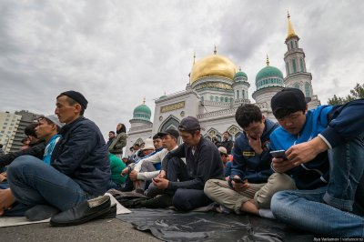На Ураза-байрам в Москве вышли более 250 тысяч мусульман