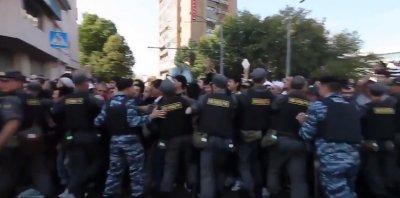 Столкновения мусульман с полицией на Курбан-байрам 1 сентября в Москве