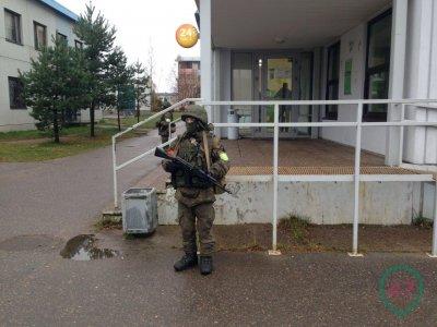 Военные автоматчики против комунальщиков