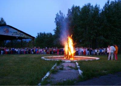 В детском лагере запретили Бузову и Киркорова