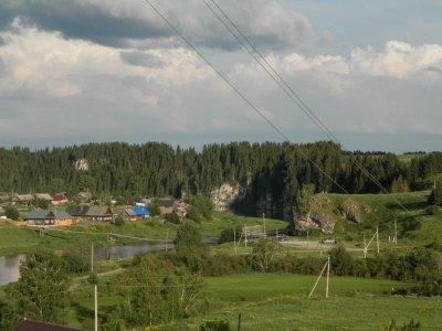 Полигональная кладка в остатках сооружений на р.Чусовая в Свердловской области