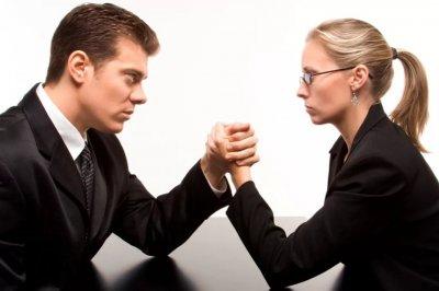 Почему мужчины и женщины все более несчастливы вместе?