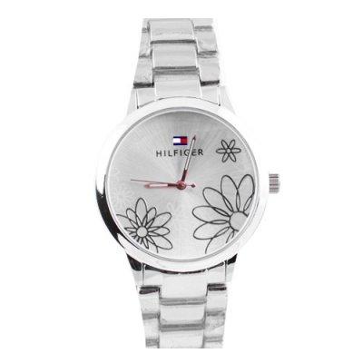 Кварцевые часы – элемент стиля