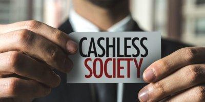 Глобальный тренд против наличных денег растет