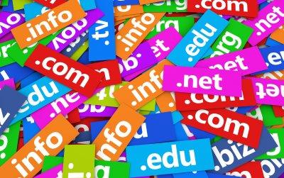 Выбор и регистрация доменного имени: какие факторы важны?