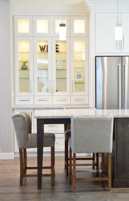 Мебель для кухни: заказать изготовление или купить готовую?