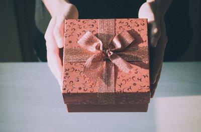 Как подойти к выбору подарка на день рождения?