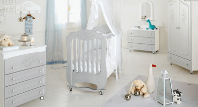 Как выбрать безопасную кровать для новорожденного
