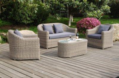 Садовая мебель из искуственного ротанга: плюсы и минусы