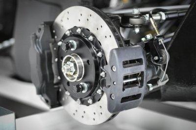 Признаки неисправности тормозной системы автомобиля