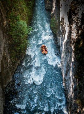 Рафтинг: типы плавательных средств для сплавов по рекам