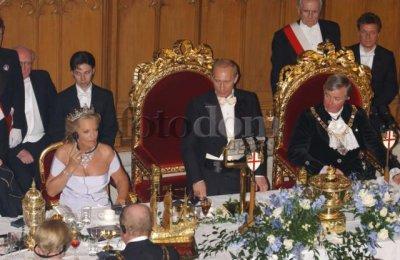Британа-Корона-Вирус и Цветущий Путэн