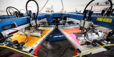 Шелкография против цифровой печати: преимущества и недостатки