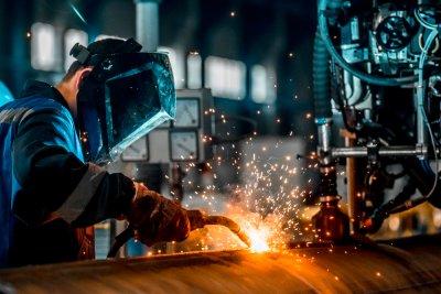 Изготовление изделий из металла под заказ: особенности и преимущества