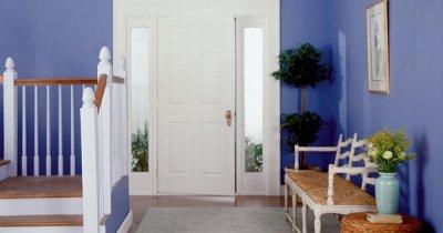 Интерьер прихожей: как сделать коридор удобнее