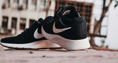 Несколько лучших кроссовок Nike для тенниса
