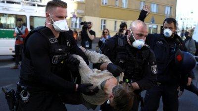 Коронавирус не смог отменить демократию в Европе - что дальше?