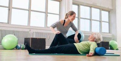 Перелом шейки бедра: нужны ли упражнения?