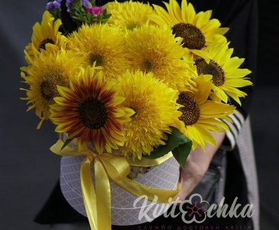 Букеты цветов на День учителя: надежная доставка в Киеве