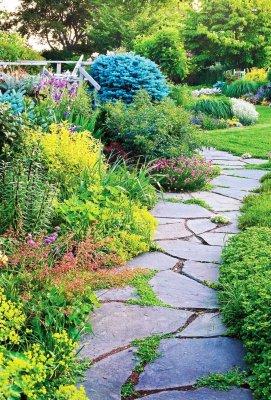 Как залить садовую дорожку при помощи формы