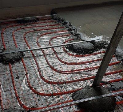 Особенности самостоятельного монтажа кабеля теплого пола под стяжку