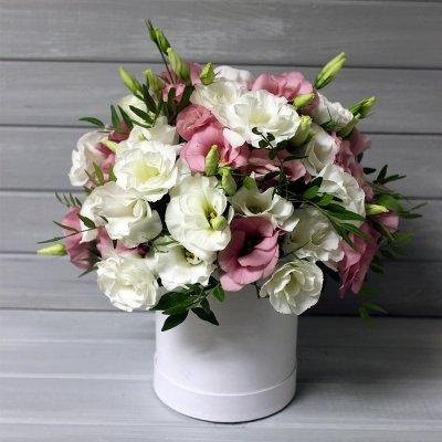 Шляпные коробки с цветами: кому и как дарить