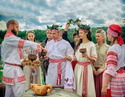 Свадьба в славянском стиле: обычаи, традиции, атрибуты