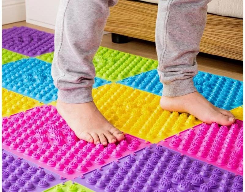 Покупаем массажный коврик ортопедический для ног детей