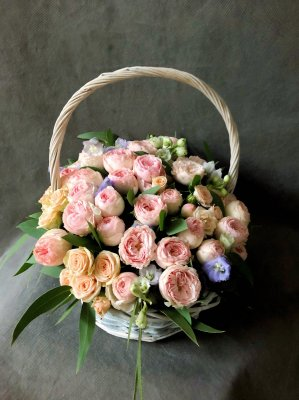 История дарения цветов: наследие древних времен