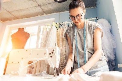 Освещаем профессию: дизайнер одежды